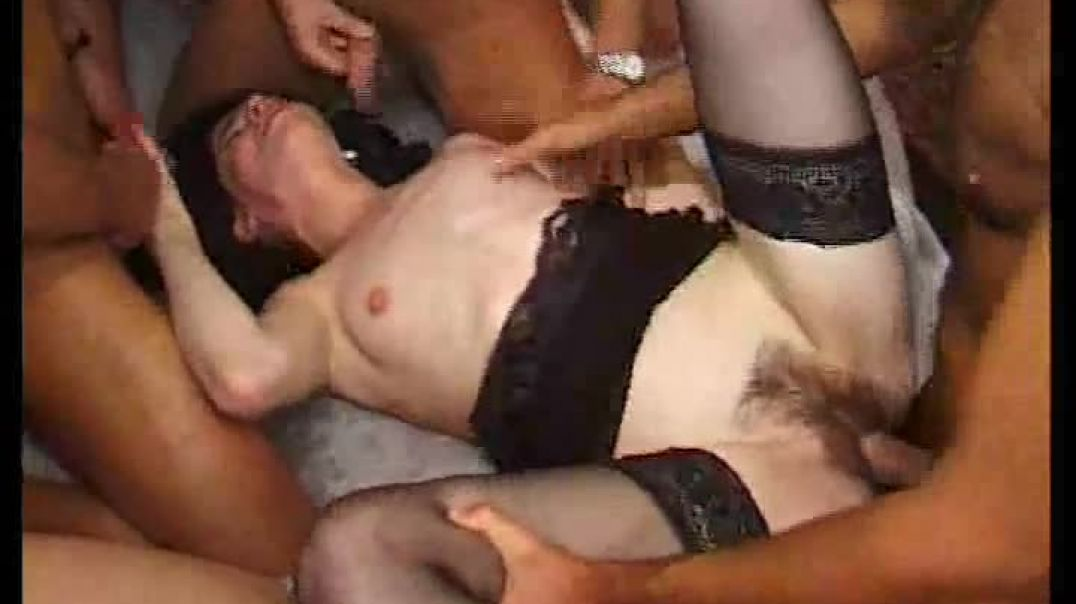 2 Girls Have Group Fun in a Porn Cinema