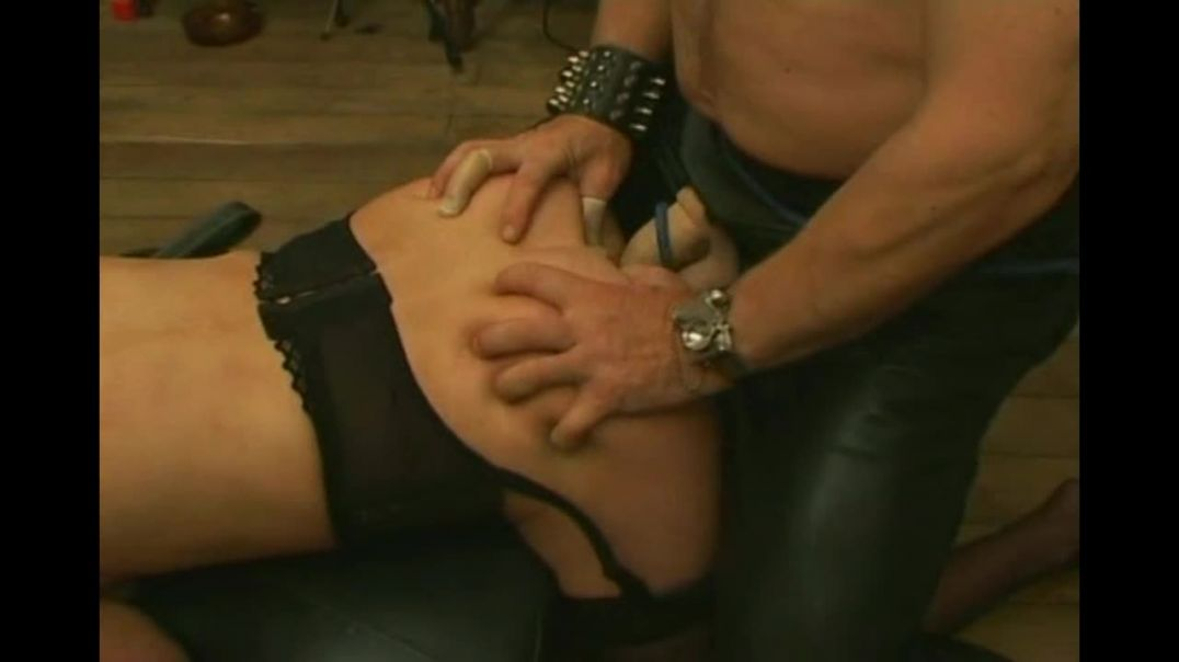 Slave slut is chastened and fucked by several