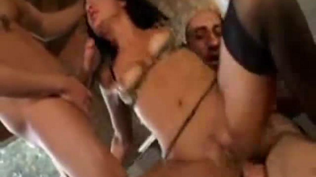 Hotwhore need a dp fuck by 2 guys