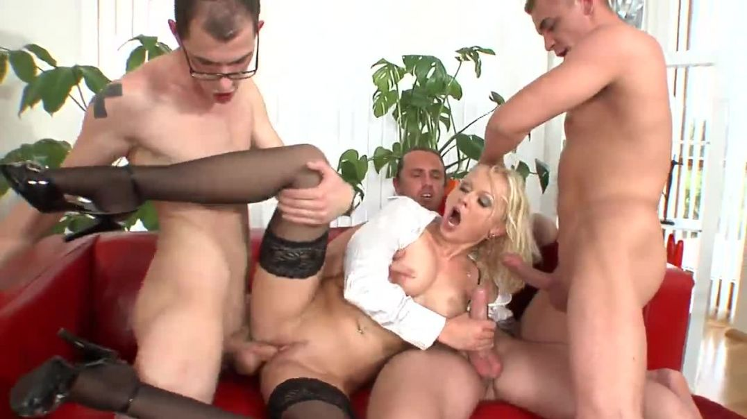 Hot Blondie Cries as She Could Not Tolerate the Gangbang