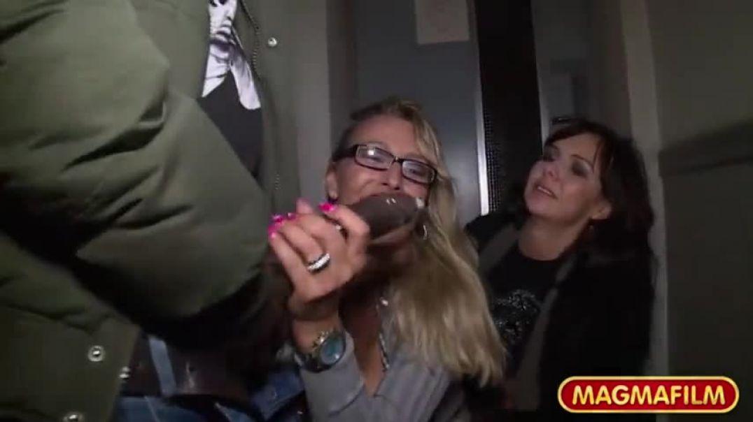 Public Interracial MILF Sex, Free Free Iphone MILF Porn Video de
