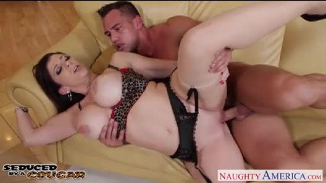 Fat horny mature slut fucked