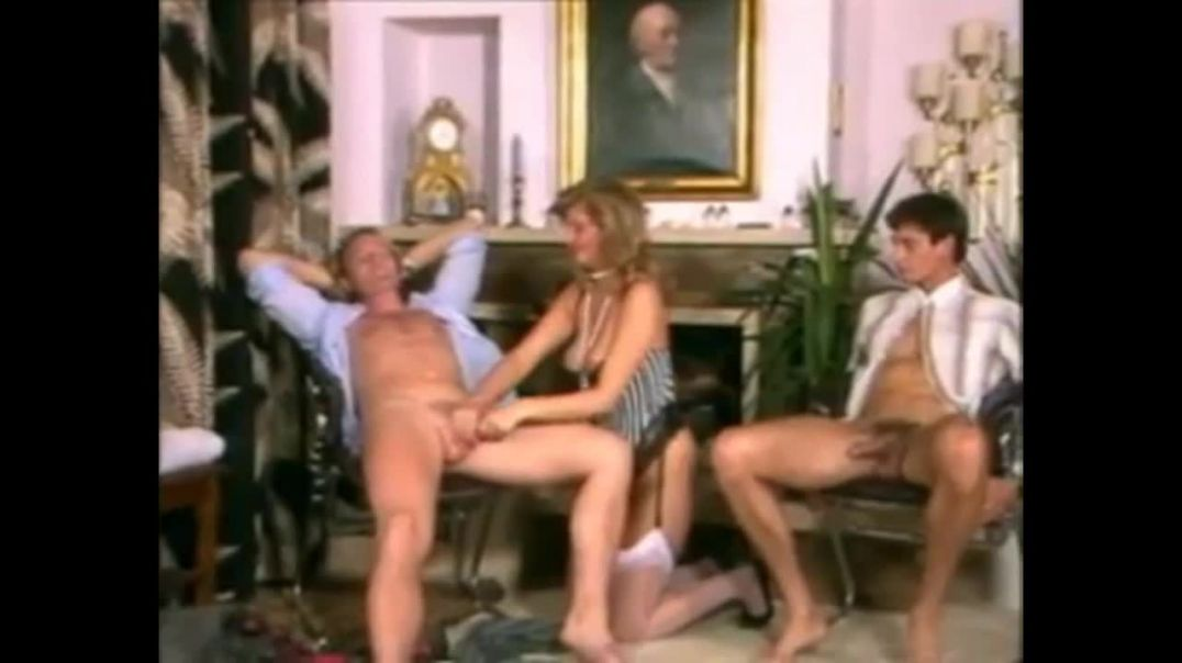 Two sluts in hot fucking orgy