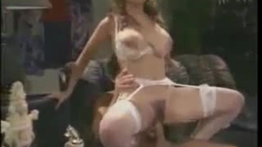 Christy_In_Nice_Threesome